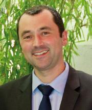 Julien Arnal réélu président du Syndicat de l'éclairage