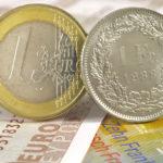 Monnaie :  le franc suisse remonte en flèche contre l'euro