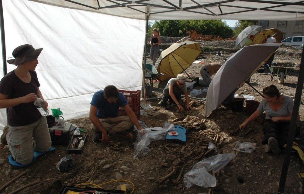 Quand l'archéologie s'enterre dans la précarité