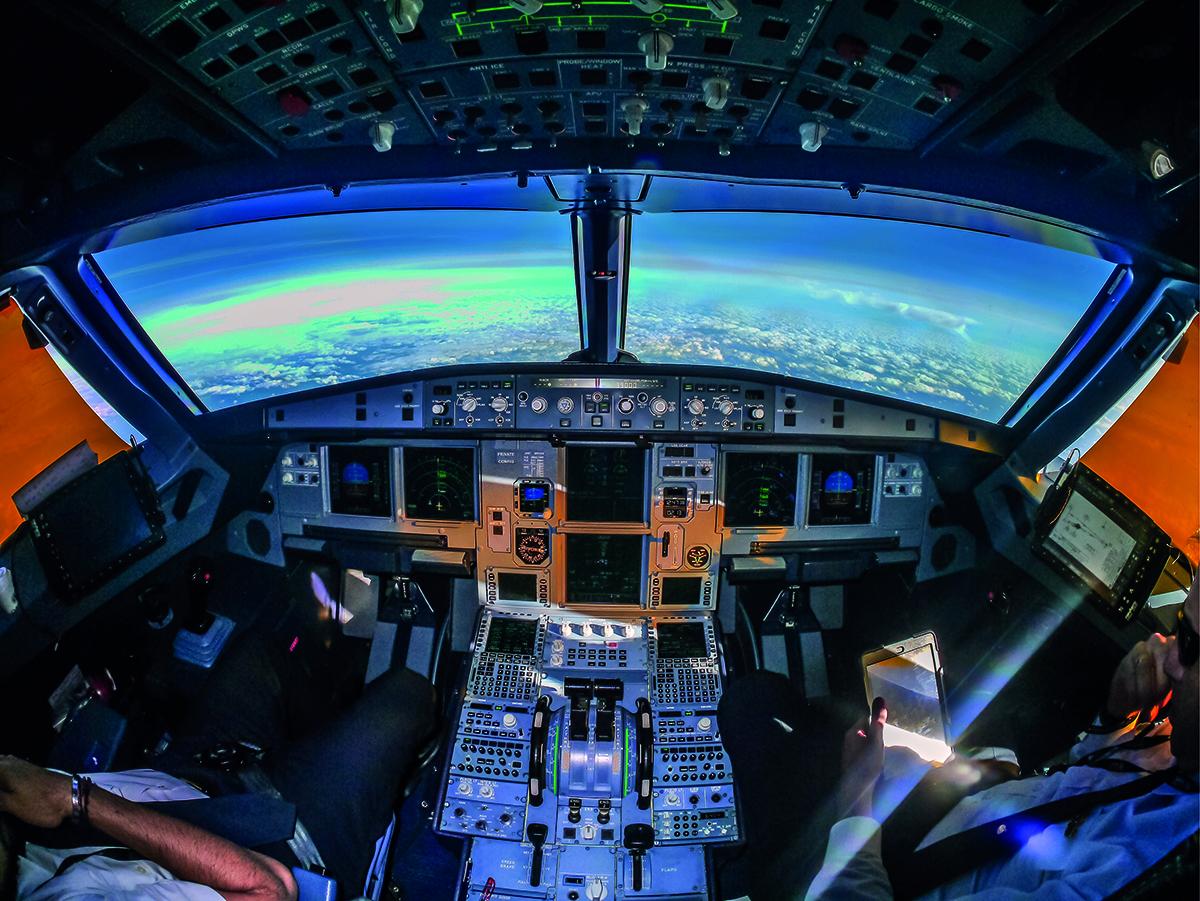 Aéronautique, cockpit ©Fotolia