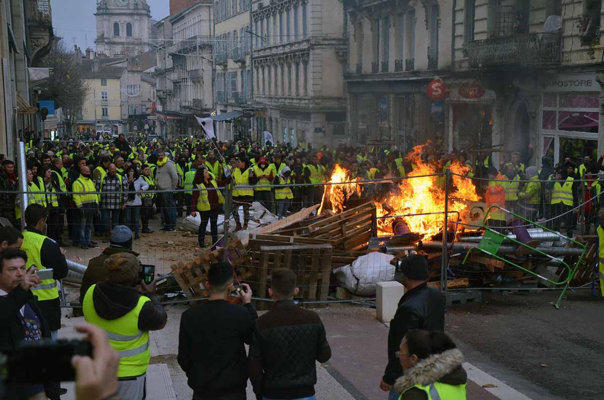 émeutes Gilets jaunes Bourg ©voix de l'Ain
