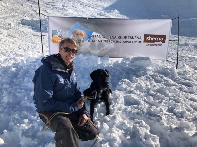 Sherpa soutient les maîtres-chiens d'avalanche