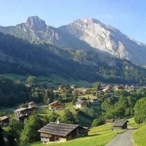 La montagne se veut la destination refuge de l'été 2020
